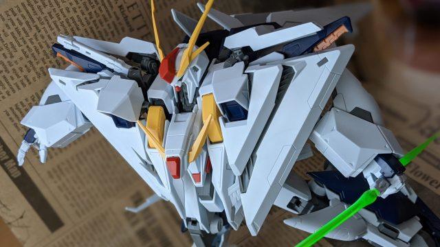 『HGUC 1/144 Ξガンダム』ビームサーベルの構え